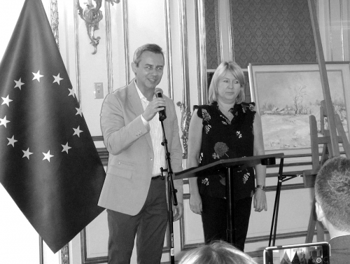 The Auction of Art paintimgs in Polish Consulate General in NYC is open by President, The Children's Smile Foundation Mariusz J. Snarowski and Joanna Mrzyk, June 2018